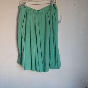 WNT LULAROE XL midi SKIRT light green